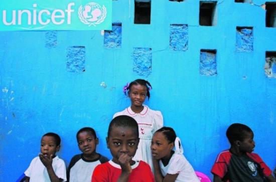 Crianças no orfanato de Notre Dame em Port-au-Prince Reuters