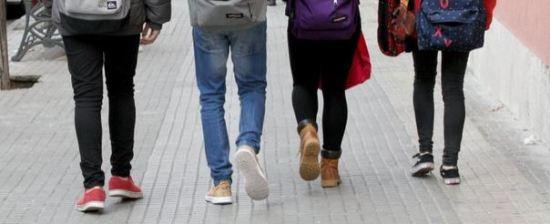 Los jóvenes y adolescentes son fáciles blancos del bullying  Foto Lluís Milián