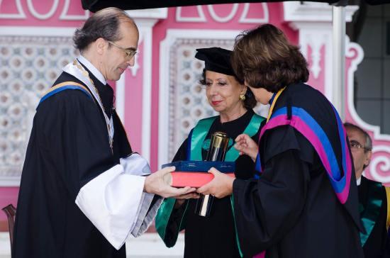 doutoramento_honoris_causa_Manuela_Eanes_3