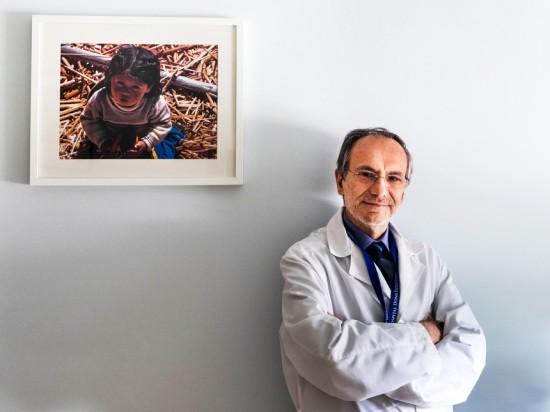 """Para Gonçalo Cordeiro Ferreira, presidente da Comissão de Ética do Centro Hospitalar de Lisboa Central, a criança que nasceu no São José de uma mãe em morte cerebral não é um bebé-milagre, mas um """"bebé-esperança"""""""