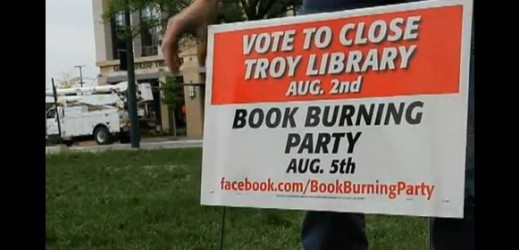 troy-library-salvando-a-biblioteca-atraves-da-festa-de-queima-de-livros-publicidade-e-propaganda-marketing-e-cinema-519x250