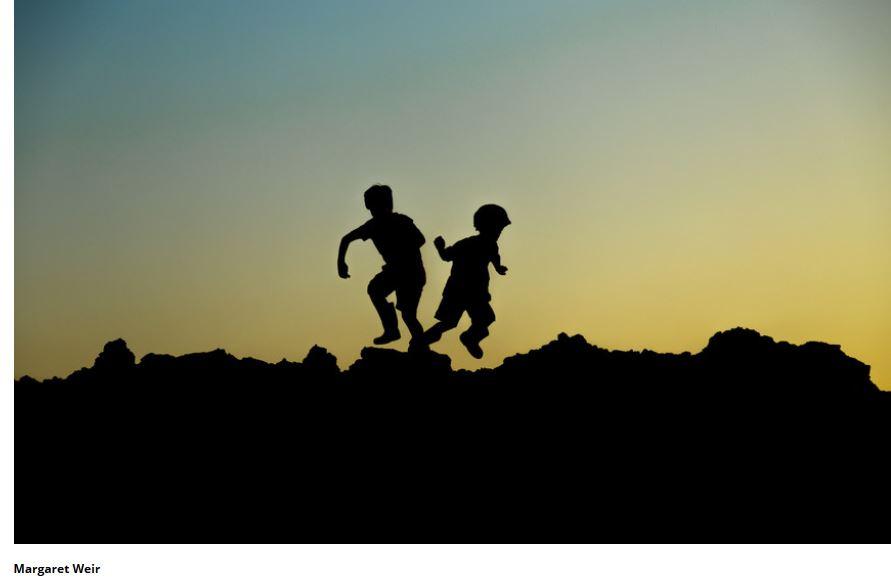 Incentivar as crianças a passar tempo no exterior pode ser a chave para  proteger a visão. Janeiro 8 ... f48280399d